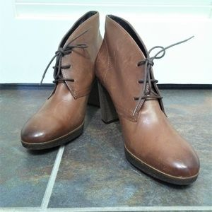Paul Green Leather Low Top Boots w/ Tie Size 7.5